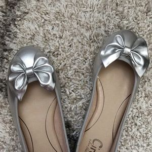 Brand new flat shoes silver size 10 Circus